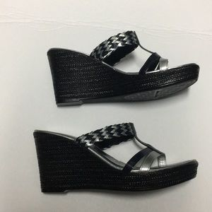ITALIAN ShOEMAKERS navy and silver weave wedges